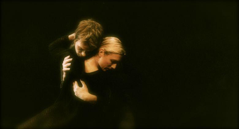 Afsked(2003) Zenaida Yanowsky and Dylan Elmore @Johann Persson